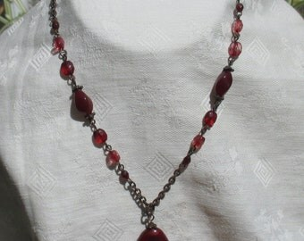 Retro Red Marbled  Looked Beaded Necklace