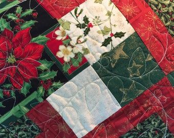Christmas Lap Quilt, Sofa Throw, Quilted Blanket, Christmas Quilt, Comfy Quilt, Red Green Throw, Lap Quilt