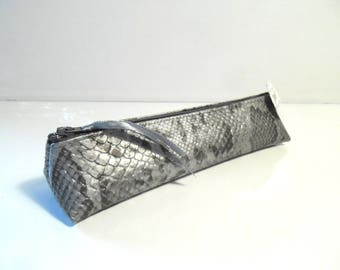 Kit toothbrush and toothpaste faux snake skin leather