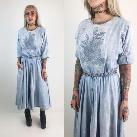 80's Acid Wash Denim Rose Midi Dress 6/8 - Soft Denim Light Blue Wash Button Front Dress - Jean Dress With Side Pockets Circle Skirt VTG