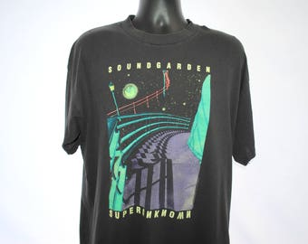 1994 Soundgarden Vintage Glow In The Dark Alive In The Superunknown Classic Black Hole Sun Era Seattle Grunge Metal Rock Band Tour T-Shirt