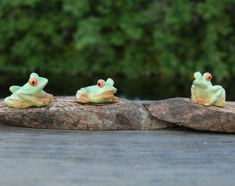 Three Miniature Frog Figurines Fairy Garden Dollhouse Critters