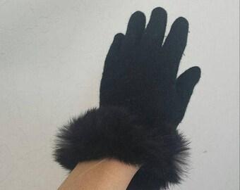 ON SALE Black wool & rabbit fur trim gloves No marked size