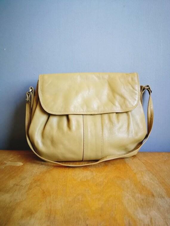 80s pale tan leather bag // hobo shoulder bag // leather boho handbag // brown leather purse // slouchy leather purse