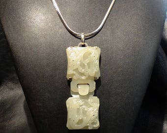 Hetian Jade Necklace, Carve Nephrite Dragon. Qing Dynasty 1800s 94.1 Grams