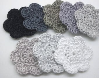 8 flowers crocheted 3.5 cm