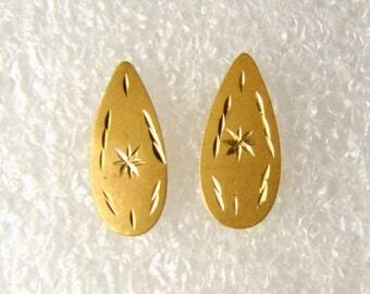 Teardrop Shaped 14K Gold Pierced Earrings