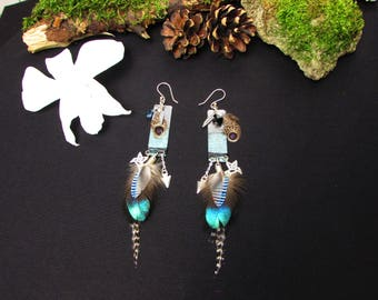 Feather earrings, ethnic chic, totem Hummingbird, brass patina, Topaz, onyx