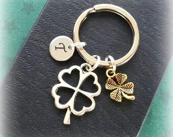 Lucky clover keyring - Initial keychain - Good luck gift - Shamrock keyring - Four leaf clover charm keyring - Clover keychain - Lucky gift