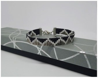 Bracelet, grey, black and white miyuki beads