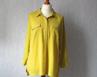 Vintage 90s, Oversized Blouse, elegant sheer Shirt in yellow color, Long sleeves with collar.