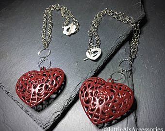 Red Heart Necklace, Gothic Heart Pendant, Love Necklace, Metal Heart Necklace, Filigree Jewelry, Romantic Gifts, Heart Jewelry, Love Heart