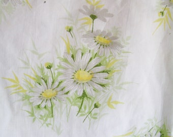Vintage Twin Size Flat Sheet Cottage Chic Sweet White Daisies Daisy Flowers Florals Percale Made in USA
