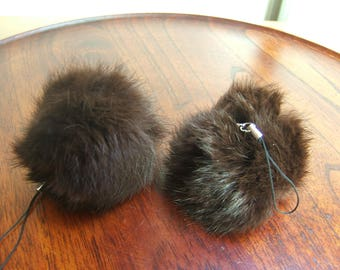 2 tassels rabbit diameter 8 cm with clasp removable Brown ice color