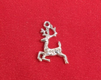 "10pc ""reindeer"" charms in antique silver (BC1313)"