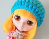 Blue Ombre Puff Beanie - A Crochet Blythe Doll Hat for Kenner and Neo - Blythe Hat - Blythe Clothes - Crochet Hat - Eriko's Emporium