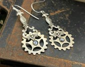 Steampunk earrings.   Gears. Handcrafted artistic jewelry -The Victorian Magpie