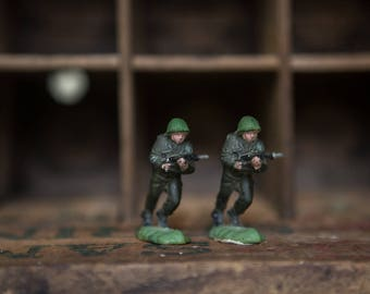 Vintage WW2 Toy Soldiers. American Infantry made in England