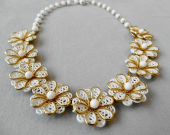 1950s White and Gold Lacy Flower Choker Old Plastic Glass Beads Metal Flower Necklace