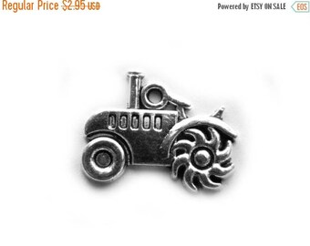 HALF PRICE 6 Silver Tractor Charms - Country Charm