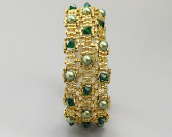 Bracelet, Gold Glass Beads with Green Swarovski Pearls and Crystals