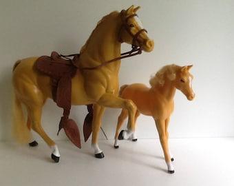 Vintage Barbie DALLAS & DIXIE Palomino Horses