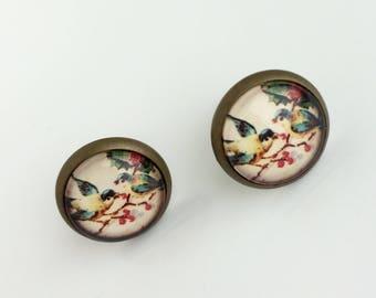 Stud Earrings Bird & Berries 12mm Round Cameo Holly Bird Birds Studs Jewellery Gift