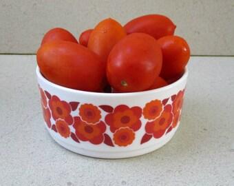 Arcopal salad bowl , France 1970s ,red and orange lotus flower design ,Arcopal serving bowl 70s Lotus flower design, French salad bowl.