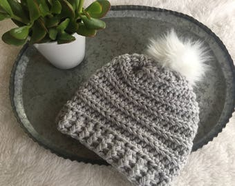 Crocheted ridge beanie, beanie with pom, chunky beanie, winter hat, winter accessory, beanie