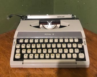 Vintage royal Typewriter  1980s