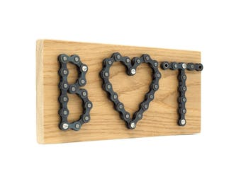 Personalized bicycle chain sign - letters and heart
