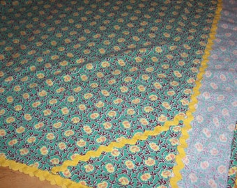 Hand Sewn Small Medium Tablecloth Green with Orange Yellow Daisies Rickrack 60's Country Chic