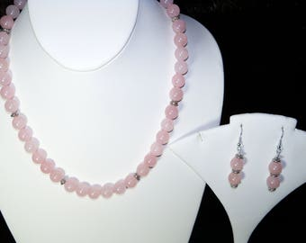 A Lovely Pink Quartz necklace and Earrings. (2017159)
