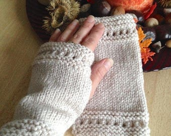 Short semi-ajourees hand knit fingerless gloves beige