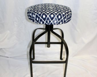 """Fitted elasticized round bar stool, vanity stool, counter stool cover Trillion Premier Navy Blue 14"""" diameter"""