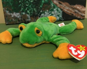 Smoochy the Green and Yellow Frog, Ty Frog Beanie Babies Collection