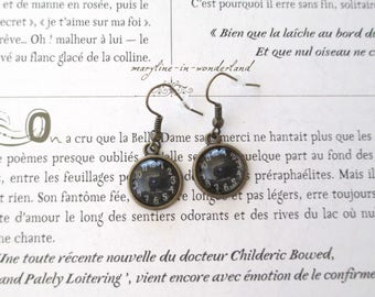 Earrings Cabochon shown in black