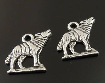 5 charms Silver Wolf howling