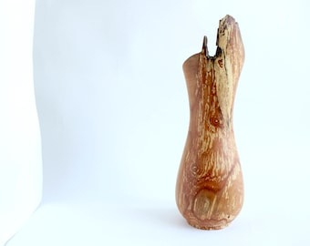 Modern farmhouse - Farmhouse kitchen - Rustic kitchen - Wood art - Wooden vase - Dry flower