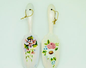 Set of Two' Toll Painting; Wooden Spoons; Signed; Approx. 2.5 x 10 Inches; Hand Painted !!!