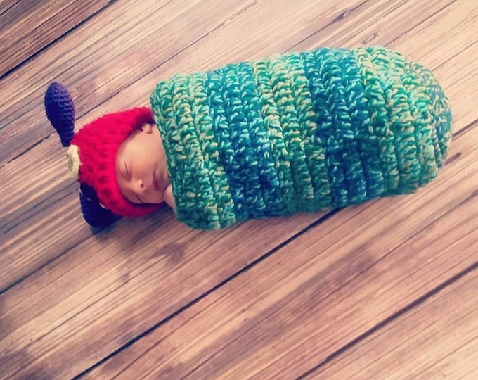 Crochet Caterpillar Outfit / Photo Prop, Perfect for Baby's First Pictures or Halloween
