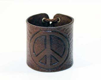 Bracelet with Peace sign! Handmade leather cuff! Hippie sign! Hippie symbol!Hippie sign! Leather bracelet! Leather accessories!