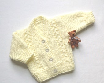 Newborn Baby cardigan - 0 to 3 months - Yellow baby sweater - Knitted baby clothes - Baby shower gift