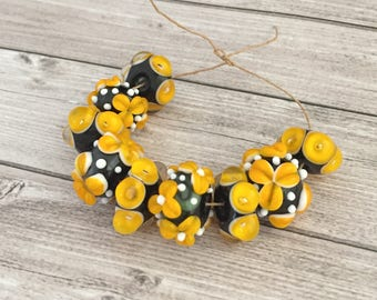 2+ Yellow black flower  beads  handmade lampwork set glass bead