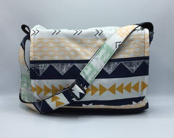 Peekaboo Messenger Bag, Waterproof, Aztec stripes, for Hedgehogs, Sugar Gliders, Rats, and other Small Animals