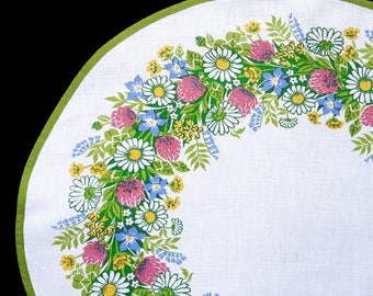 Vintage placemat with print flowers meadow