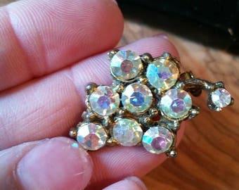 Vintage AB Rhinestone Gold Tone Costume Jewelry Brooch Grape Cluster Design  1 1/4 inch