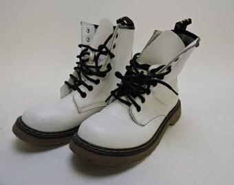 Vintage White Marken's Combat Boots Size 37 US Size 7