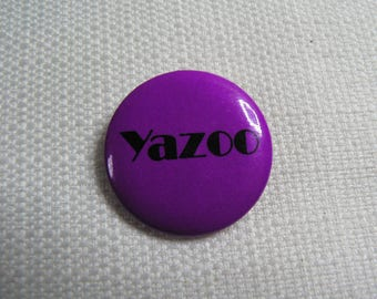 Vintage 80s Yazoo (Alison Moyet and Vince Clarke) Pin / Button / Badge