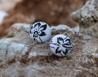 19mm White+Black Flower Fabric Covered Button Earrings